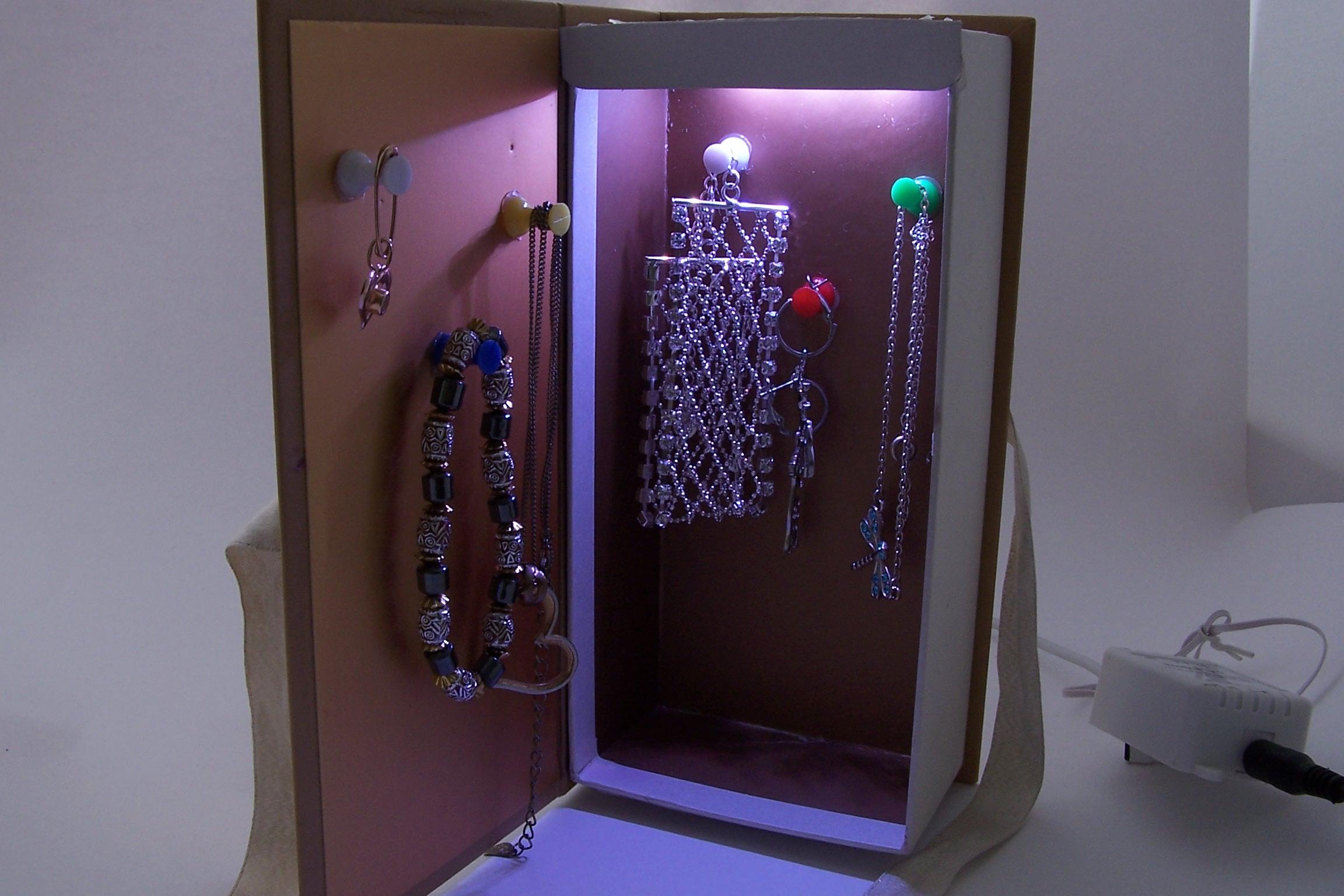 jewellery-case1.jpg